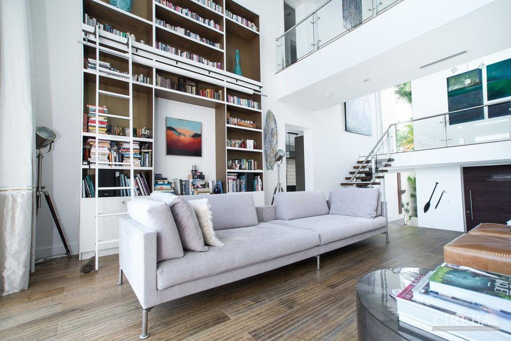 GREAT ROOM / LIVING ROOM