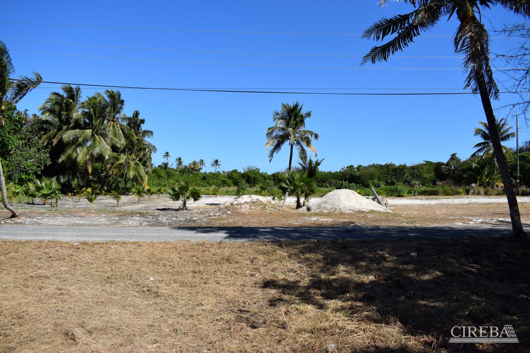 OVER SIZE READY TO BUILD LOT 0.4261