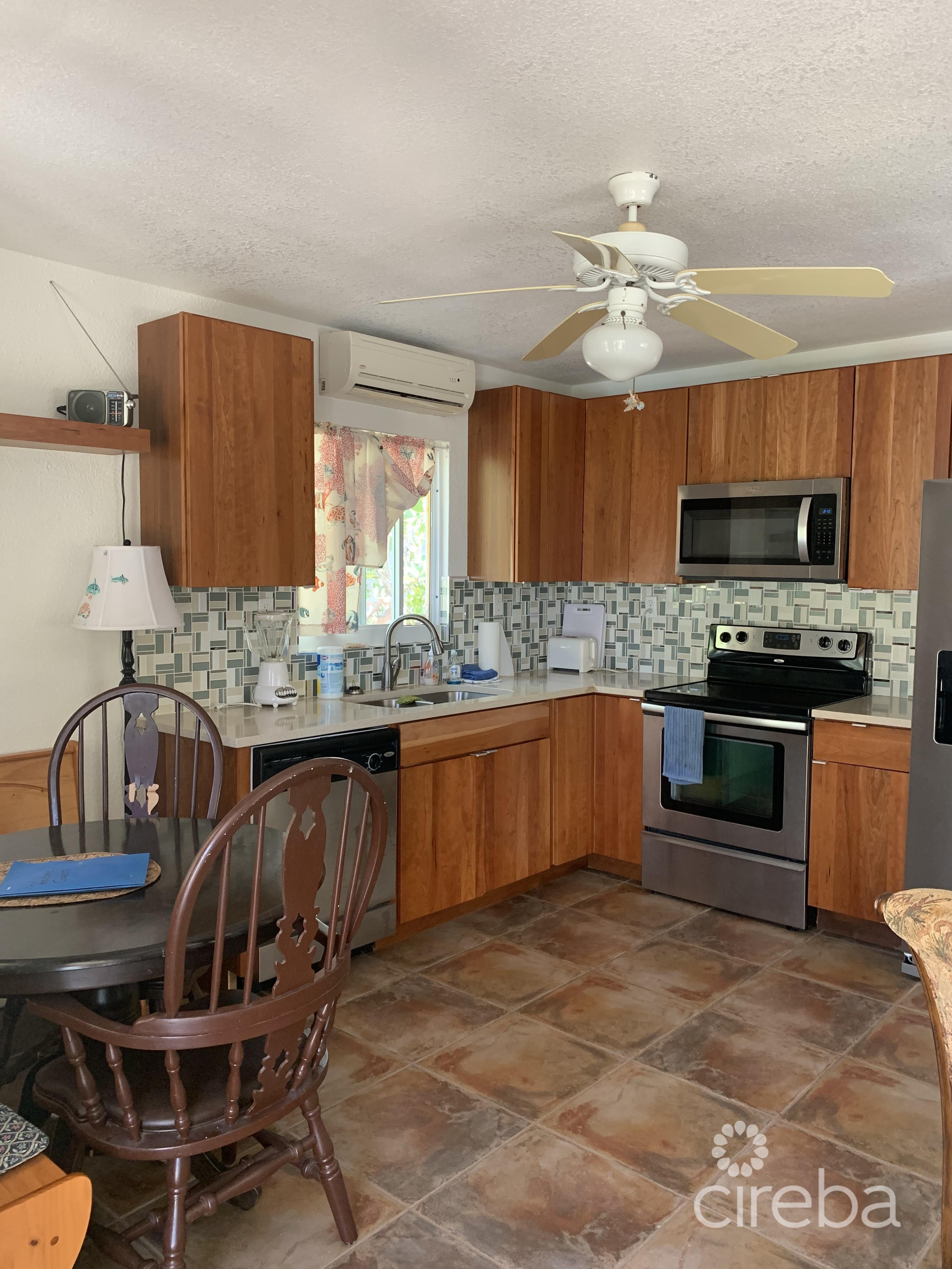 Hawksbill cottage kitchen