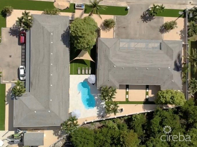 CRESCENT PALMS POOLVIEW