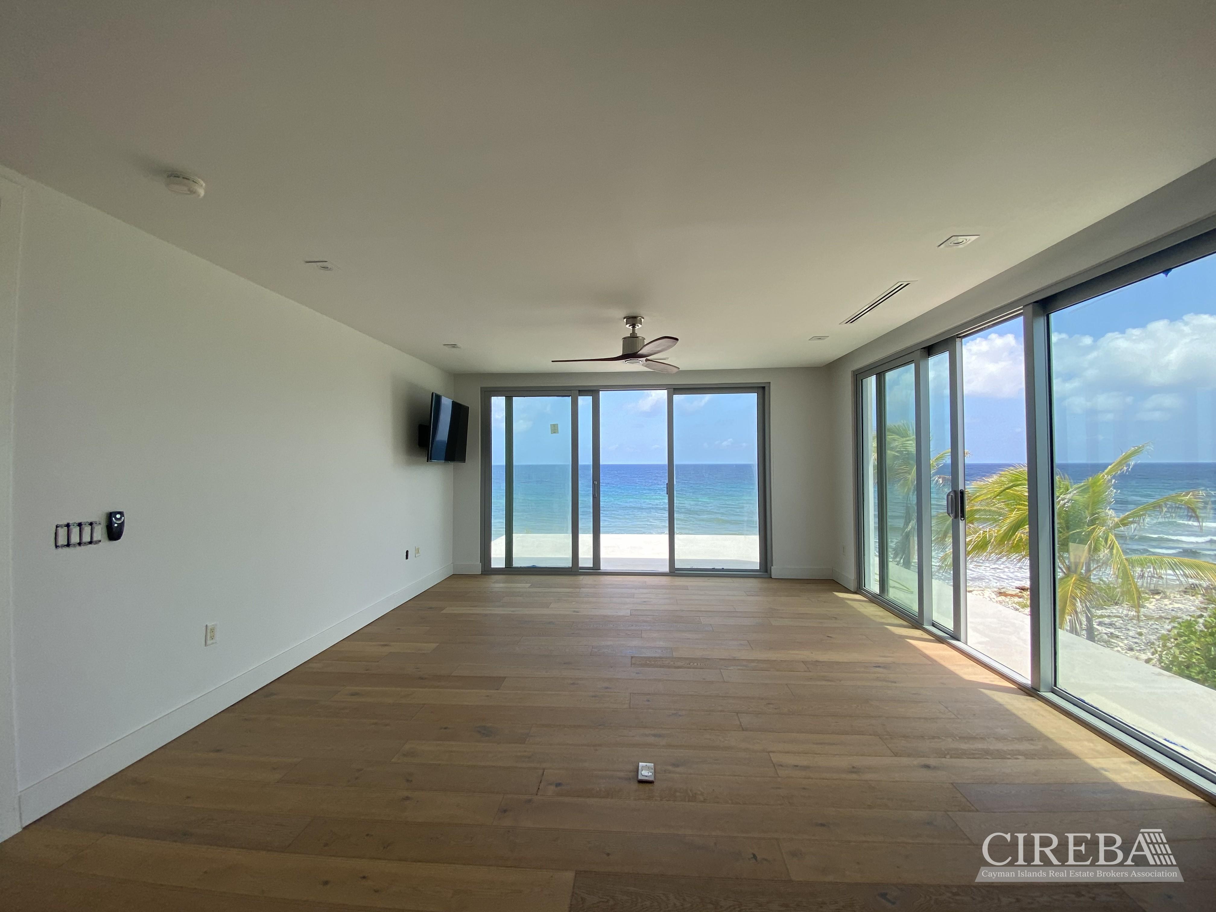 PRIVATE CONTEMPORARY BEACH HOUSE