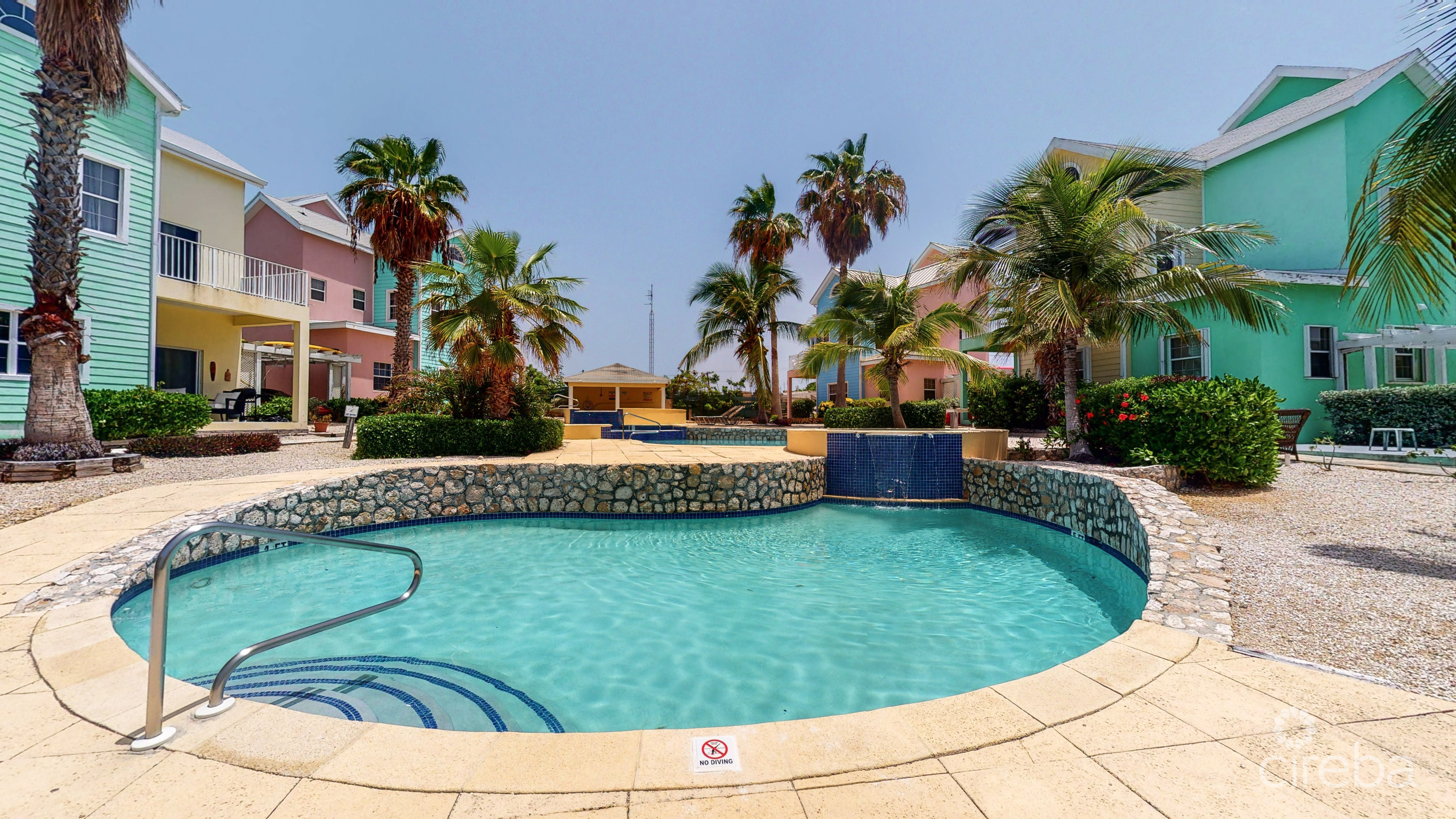 OCEANVIEW INVESTMENT 4 BED VILLA WITH POOL
