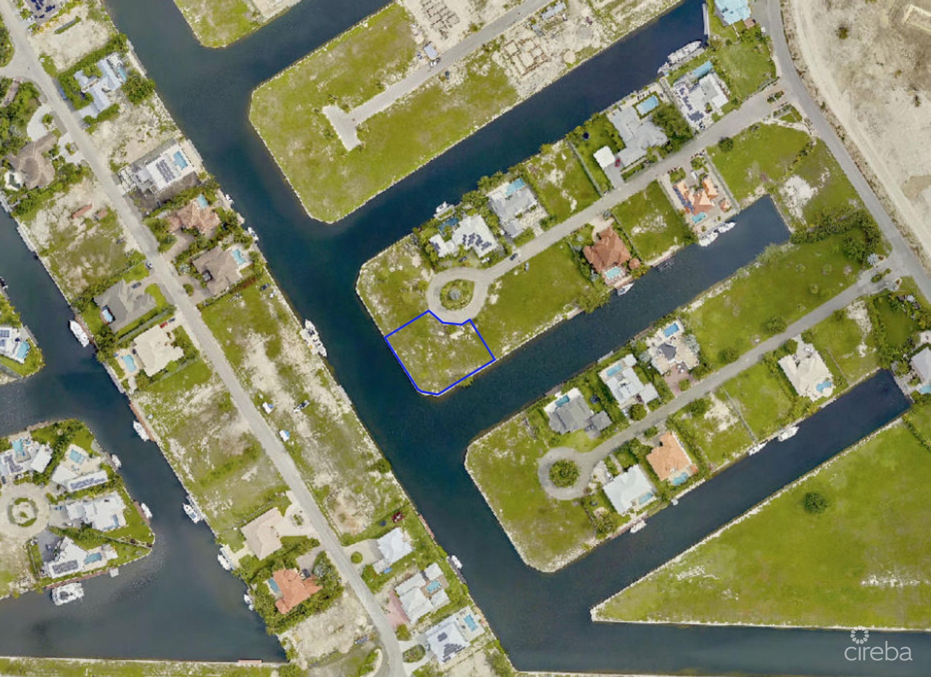 CRYSTAL HARBOUR CORNER CANAL LOT - WATERFORD QUAY - 0.4238 ACRES