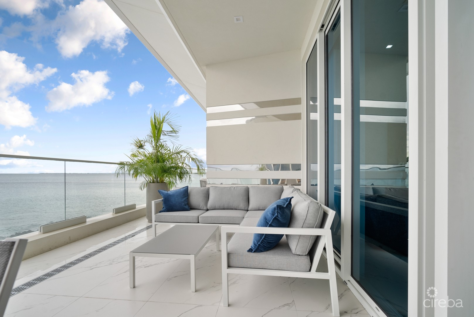 FIN - LUX 3.5 BED W/DIRECT BEACH ACCESS